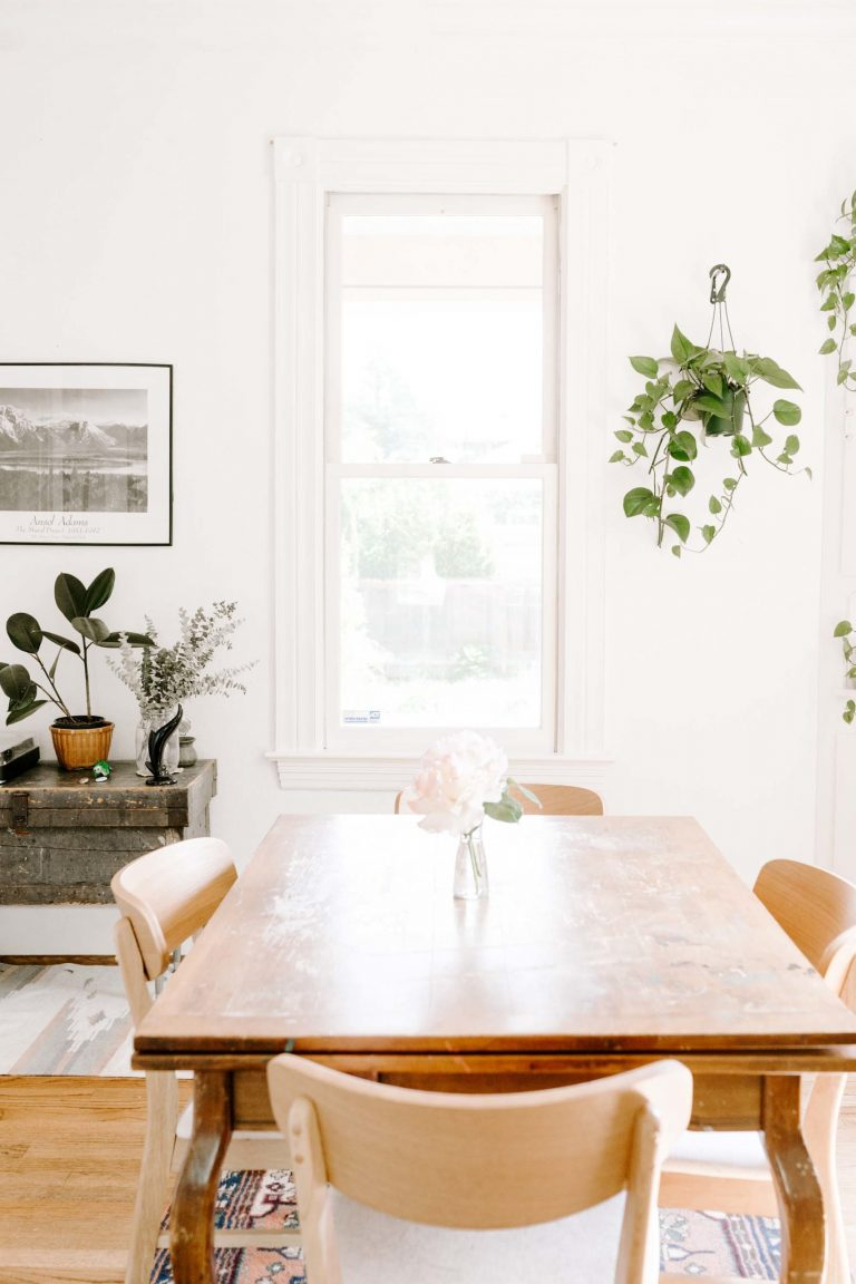 Preparing your dining table for a gathering