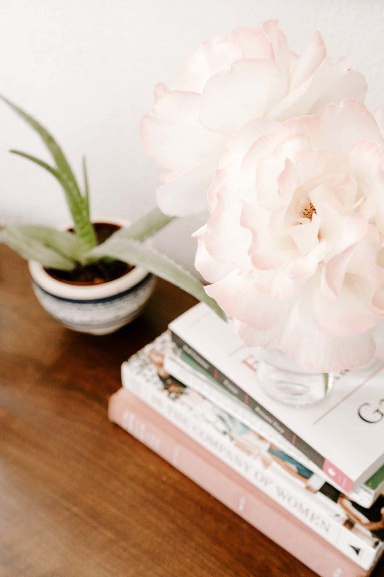 Styling books and magazines into your decoration